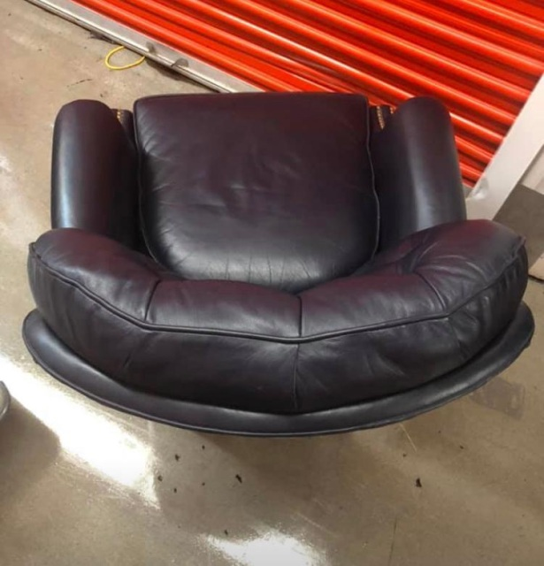 Sold Hancock And Moore Navy Tufted Leather Richmond Chair